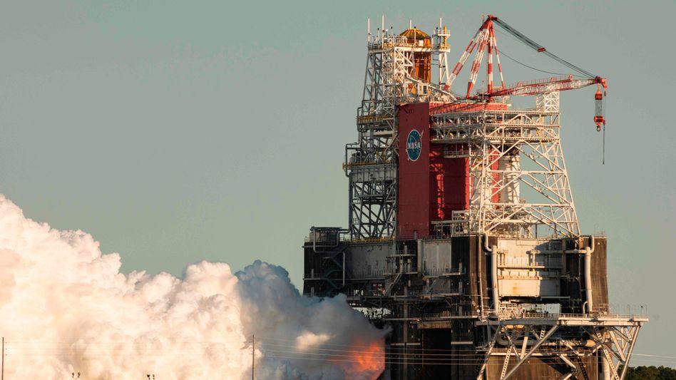 Test des Space Launch Systems: Nach rund einer Minute waren die Triebwerke wieder aus
