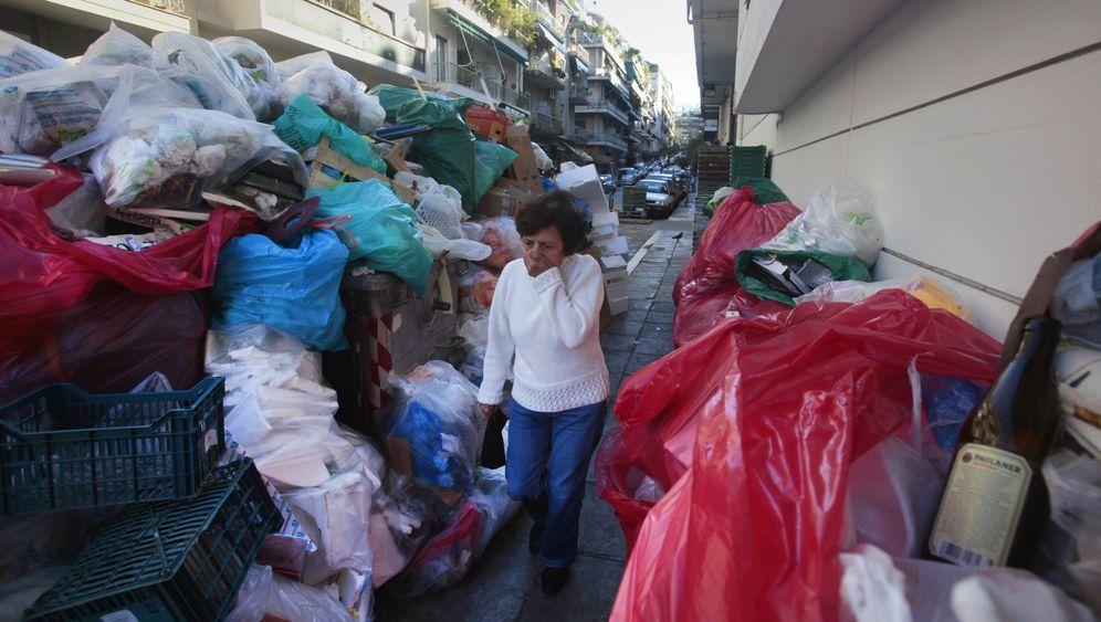Streikwelle: So ertrinkt Athen im Müll