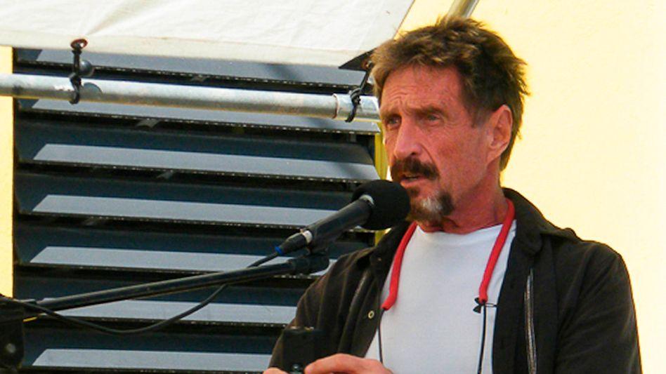 Skandalumwittert: John McAfee 2012 in Belize