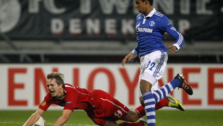 Enschede vs. Schalke: Ein Zweikampf, ein Pfiff, eine Karte