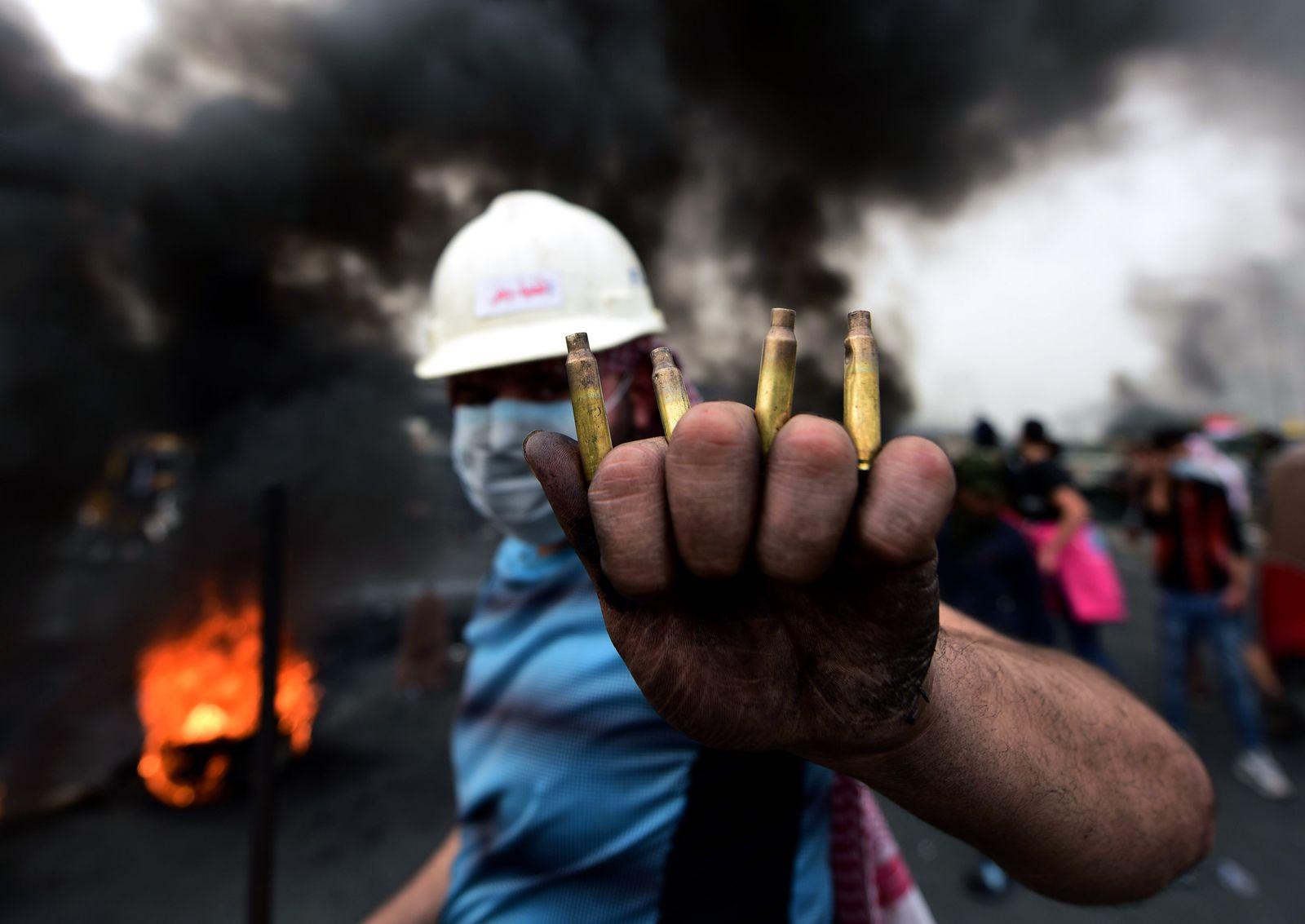 Protests in Baghdad, Iraq - 19 Jan 2020