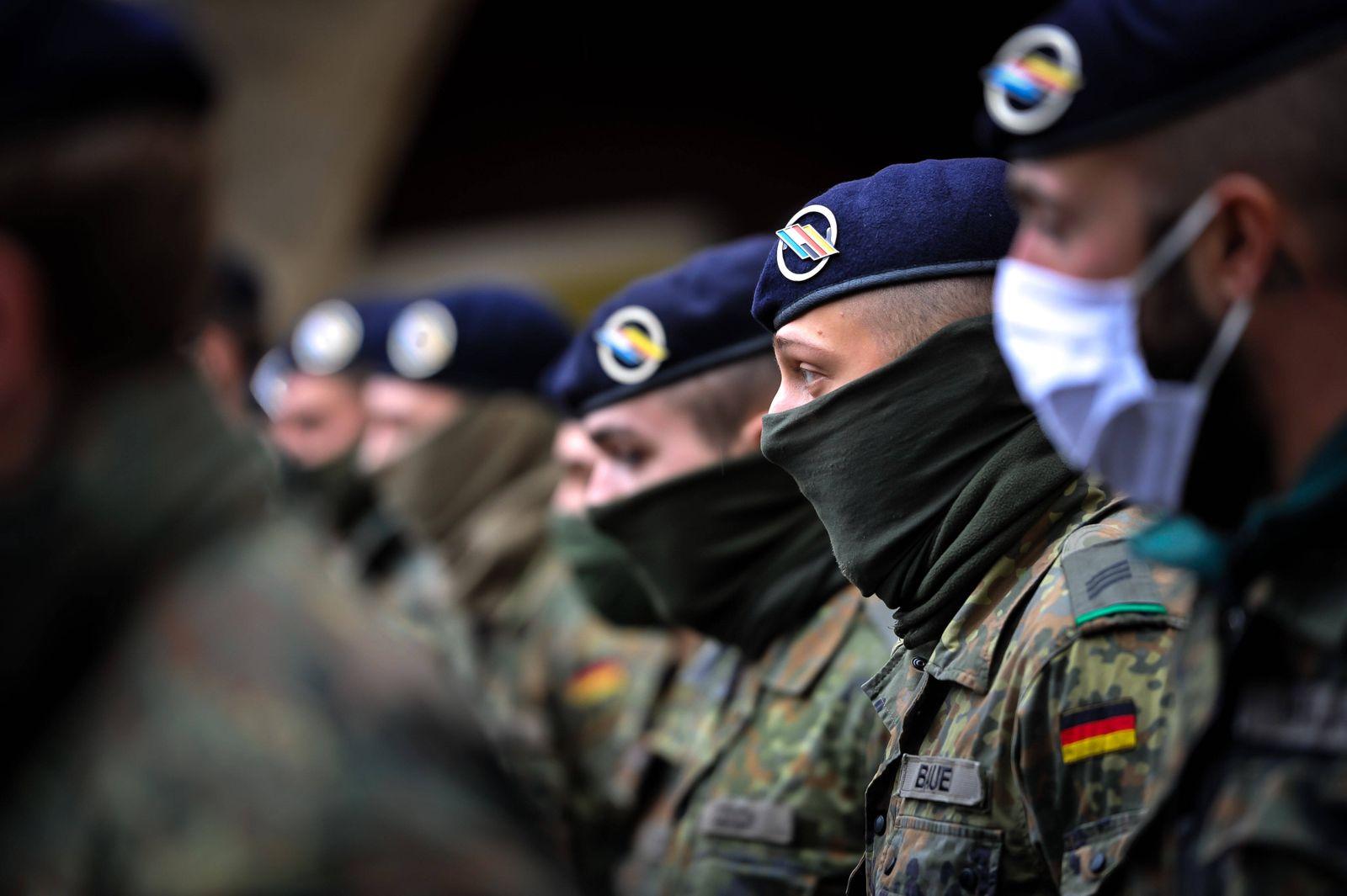 Bundeswehr, COVID-19 30 Soldaten kommen ins Gesundheitsamt Stuttgart. Sie helfen dort mit und unterstützen Mitarbeiter