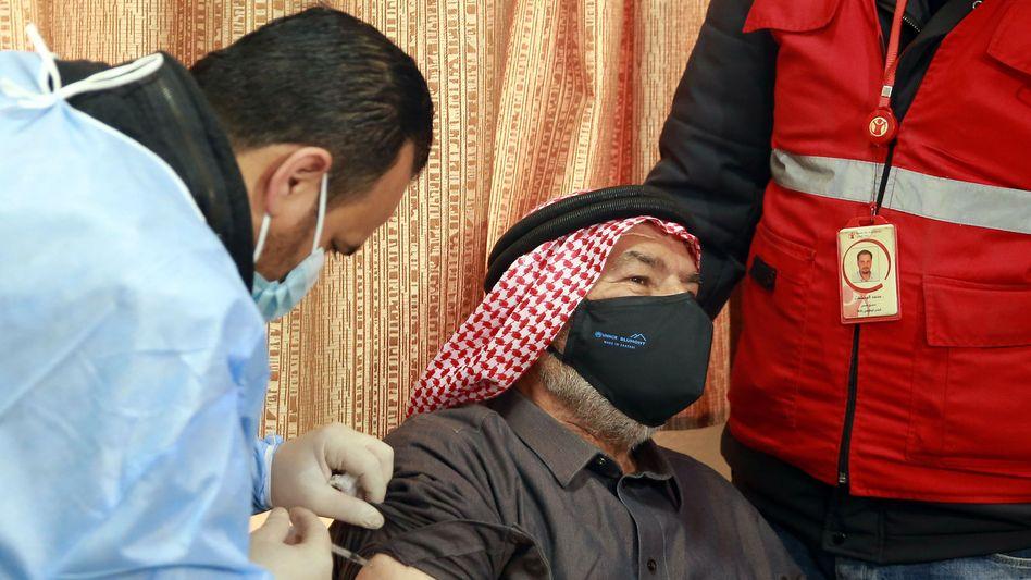 Impfung im Flüchtlingscamp Al-Zaatari bei Amman