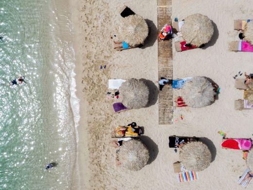 Strand von Glyfada bei Athen: »Die vorzeitige Heimreise kann teuer werden«