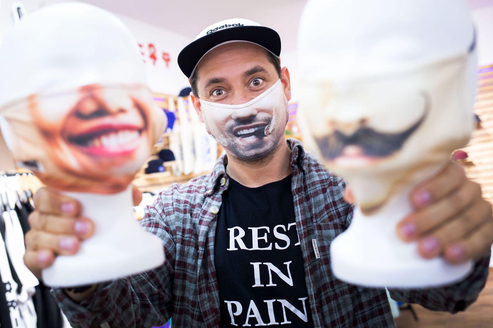 Mund-Nase-Maske mit eigenem Gesicht