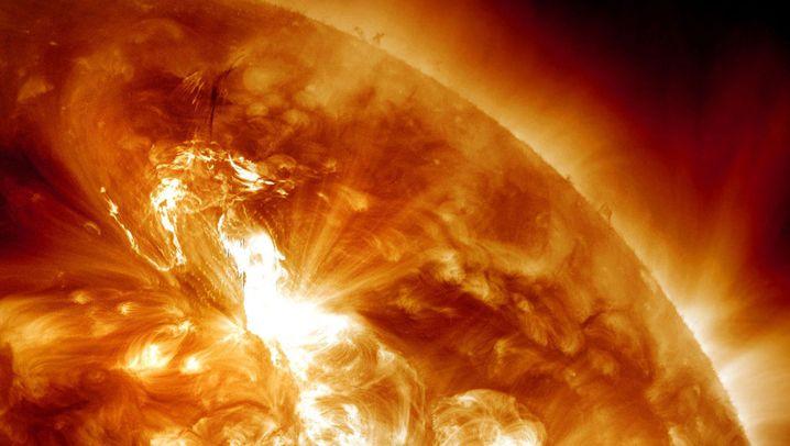 Sonnenbilder: Eruptionen, Flecken und Plasmastürme