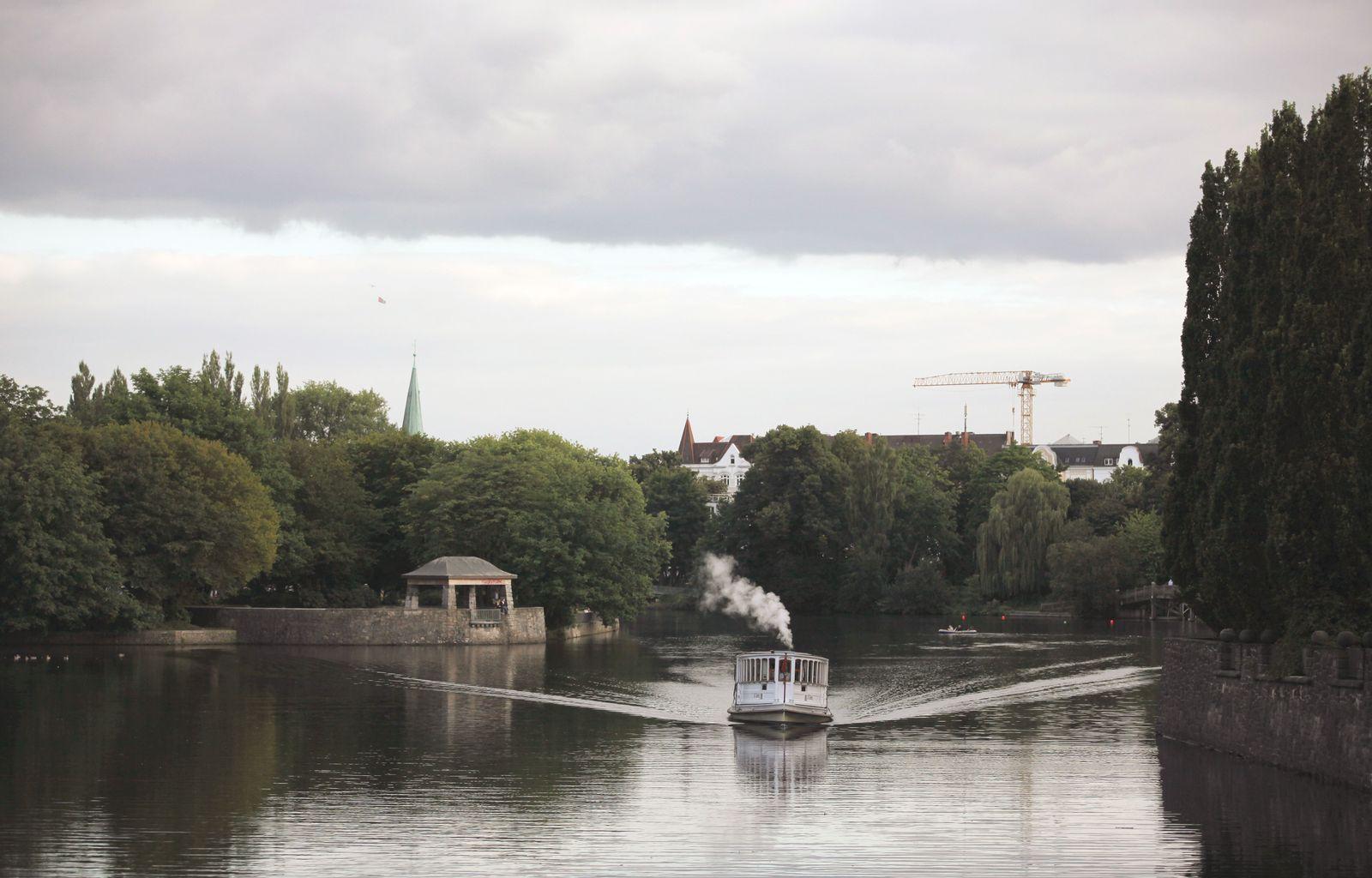 EINMALIGE VERWENDUNG Alsterdampfer St. Georg am Hayns Park