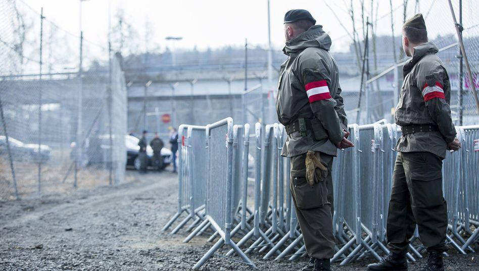 Österreichische Soldaten an der Grenze zu Slowenien: Demnächst auf dem Balkan?