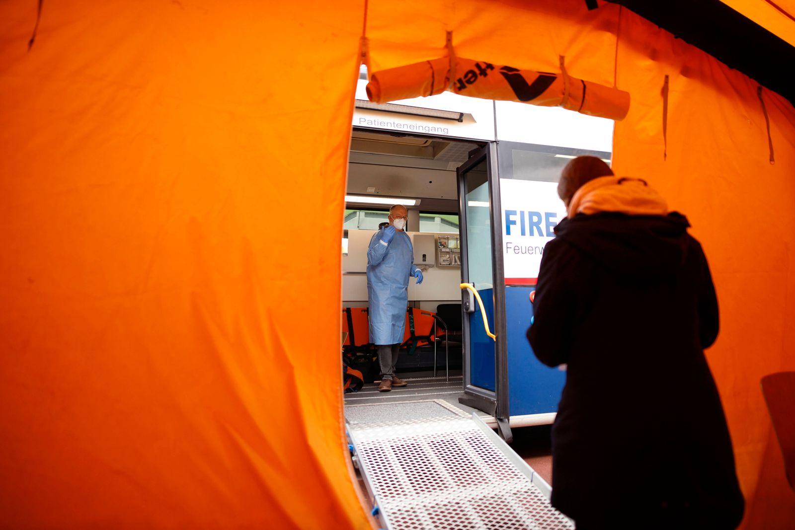Die Stadt Köln beginnt, Menschen in Stadtteilen mit besonders hoher Inzidenz - sogenannte Hochinzidenzgebiete - zu impf