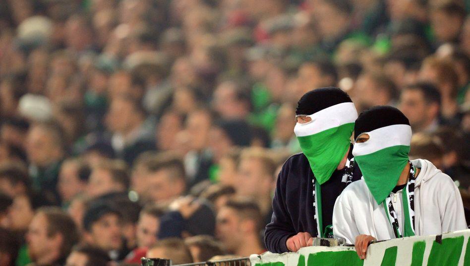 Hannover-Fans beim Derby: Aufgeheizte Stimmung