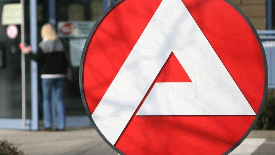Bundesagentur für Arbeit: Zahlreiche Haushalte müssen ALG-II-Leistungen zurückzahlen.