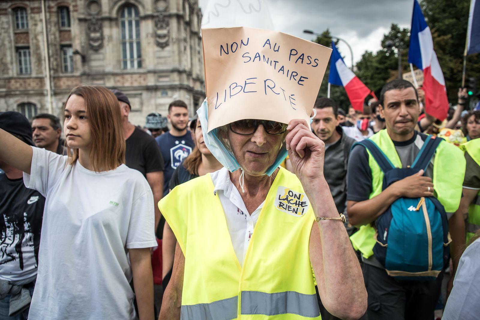 Protest against vaccine pass in Paris