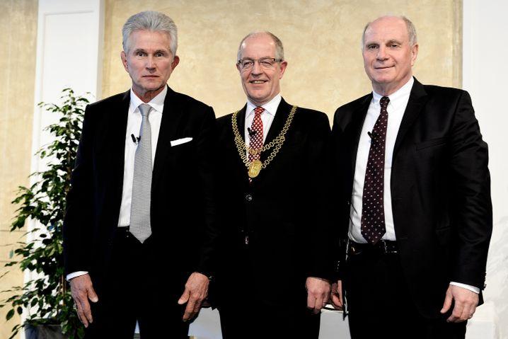 Jupp Heynckes, Oberbürgermeister Hans Wilhelm Reiners und Uli Hoeneß