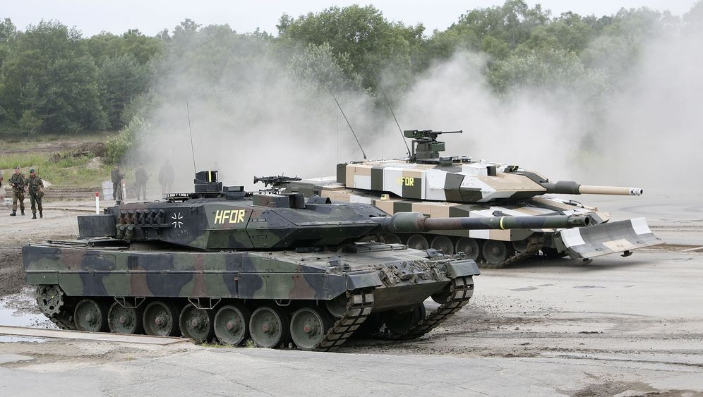 Photo Gallery: Germany's Mighty 'Leopard' Tanks in Demand