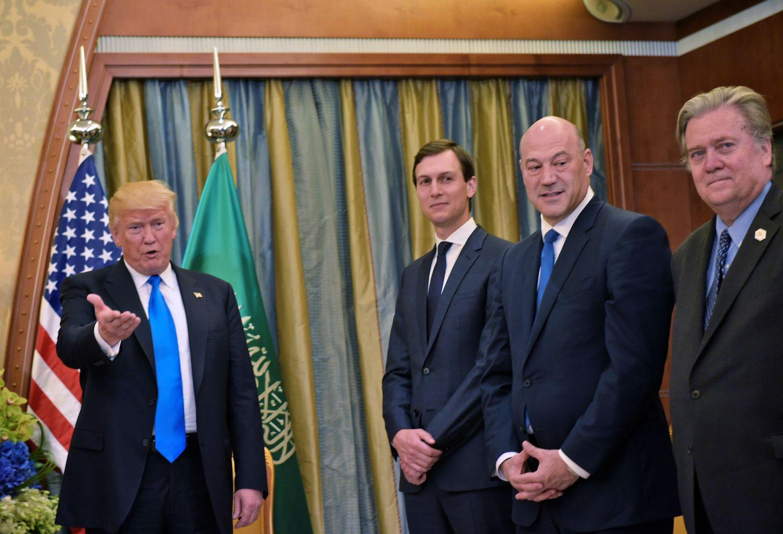 Donald Trump/ Berater