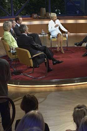 """Studio-Zuschauer werden überprüft: TV-Talk """"Sabine Christiansen"""""""