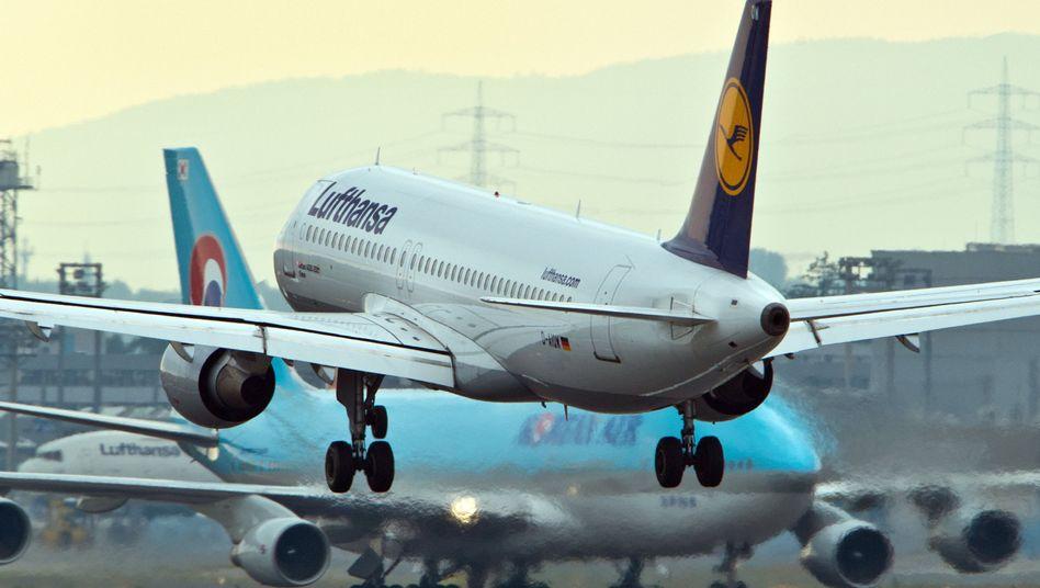 Lufthansa-Maschine in Frankfurt: Sanktion würde Airline hart treffen