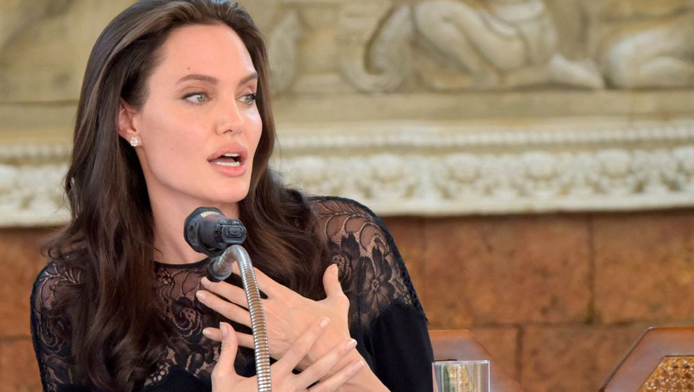 Angelina Jolie: Family first