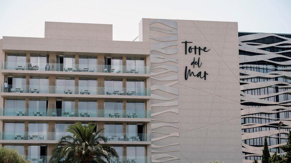 Die jungen Urlauber stürzten aus dem vierten Stock des Hotels Torre del Mar