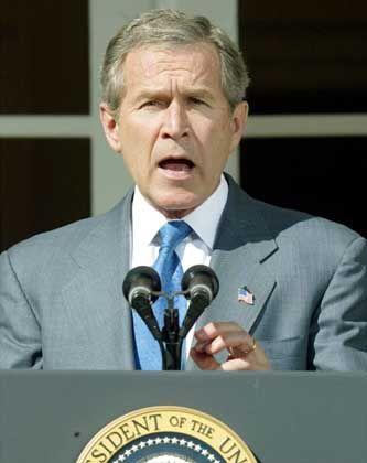 Stellt Saddam ein letztes Ultimatum: George W. Bush