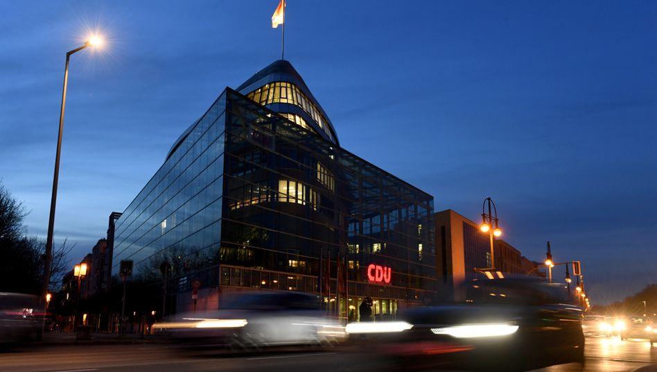 """CDU-Parteizentrale in Berlin: """"Digitale Townhalls"""" und Kandidaten-Fragebögen"""