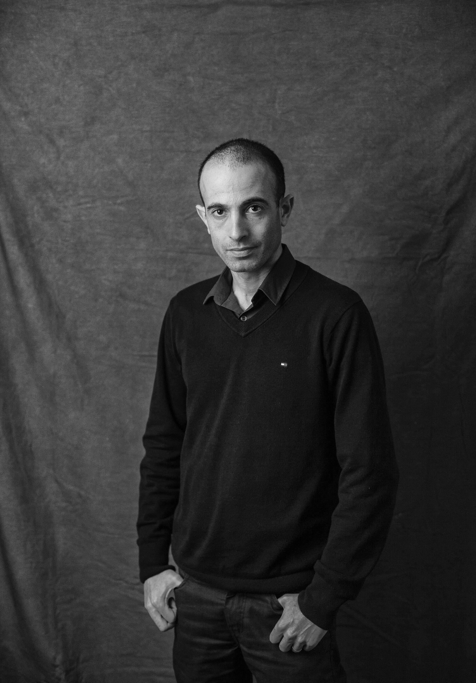 EINMALIGE VERWENDUNG SPIEGEL Plus SPIEGEL 12/2017 S.104 Interview Yuval Noah Harari STARTBILD