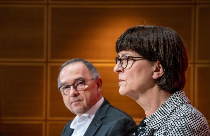 SPD-Spitzenduo Saskia Esken und Norbert Walter-Borjans