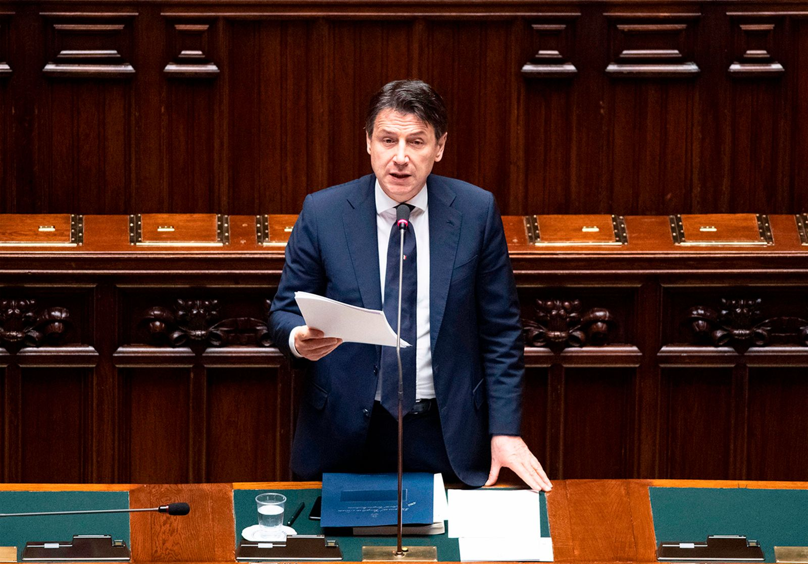 ITALY-HEALTH-VIRUS-POLITICS-PARLIAMENT-GOVERNMENT-LOCKDOWN