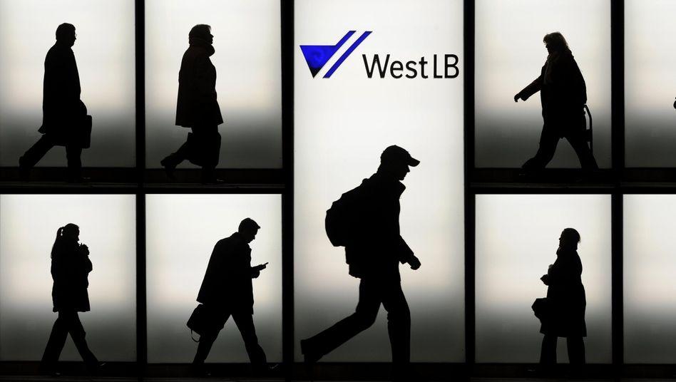 WestLB-Zentrale in Düsseldorf: Mehr Gehen als Kommen