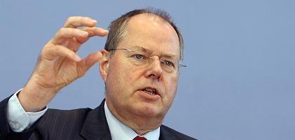 Bundesfinanzminister Steinbrück: Soll das Kriegsbeil begraben