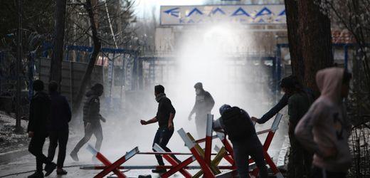 Flüchtlinge: Türkei steuerte laut BND Ansturm auf Griechenlands Grenze