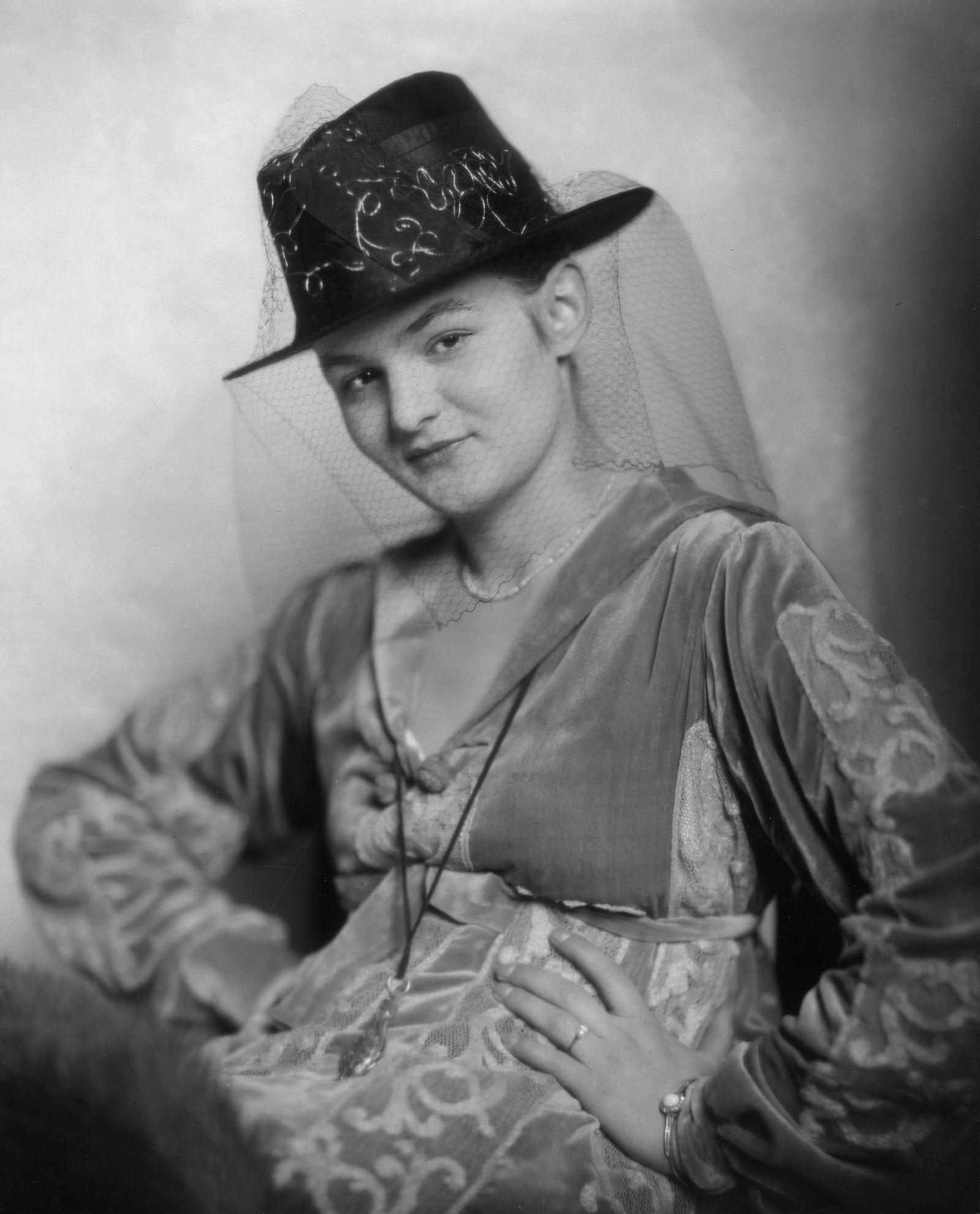 Anita Berber, Tänzerin, D - 1917