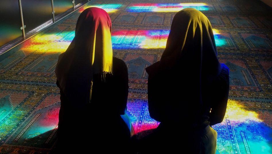 Musliminnen beim Gebet