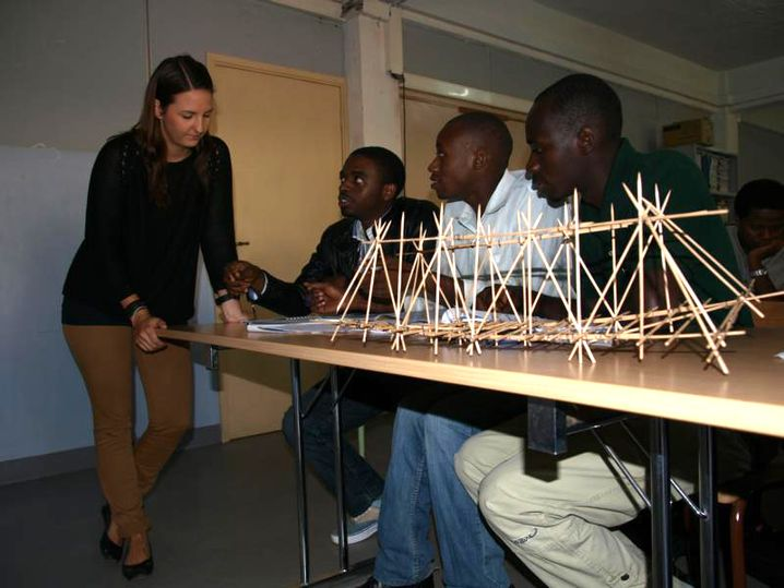 Julia Bauer, 25, studiert Wirtschaftsingenieurwesen Fachrichtung Bauwesen in Aachen und plant Fußgängerbrücken in Ruanda