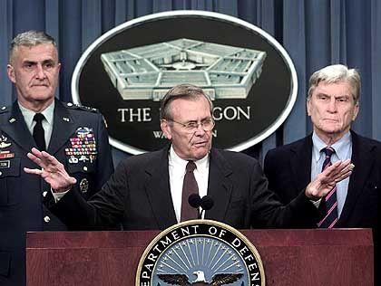 US-Verteidigungsminister Rumsfeld: 50.000 Reservisten angefordert