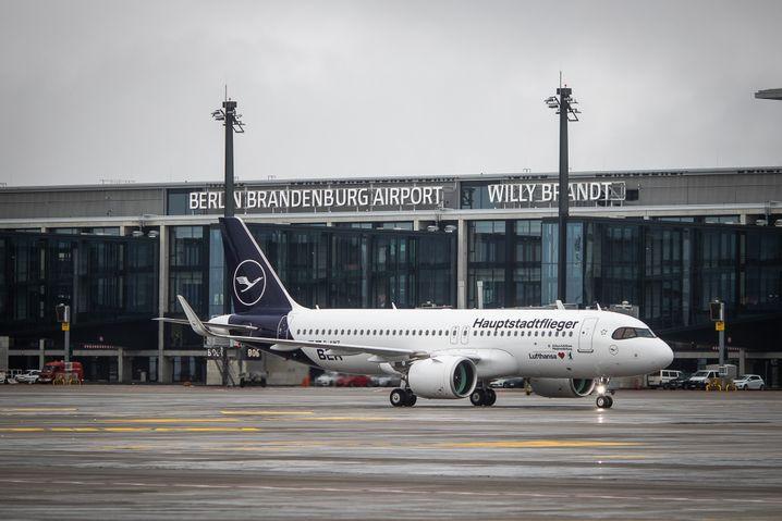 """Der neue Flughafen trägt den Namen des früheren Bundeskanzlers Willy Brandt: """"Jetzt dürfen wir uns auch freuen"""""""