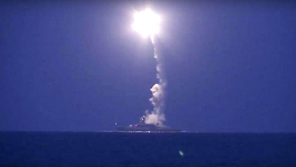Abschuss von Marschflugkörpern im Kaspischen Meer: Russland beschießt Syrien aus Hunderten Kilometern Entfernung