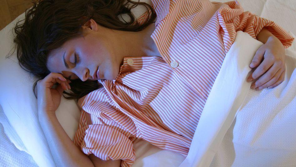 Ausgiebige Nachtruhe: Menschen verschlafen etwa ein Drittel ihres Lebens.