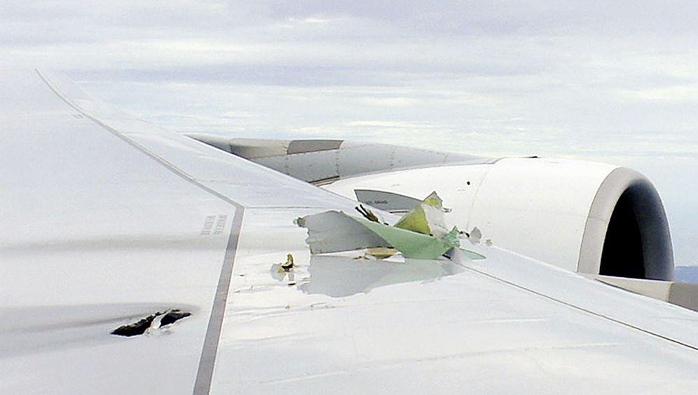 Notgelandeter Airbus: Riesenflieger mit Triebwerksproblem