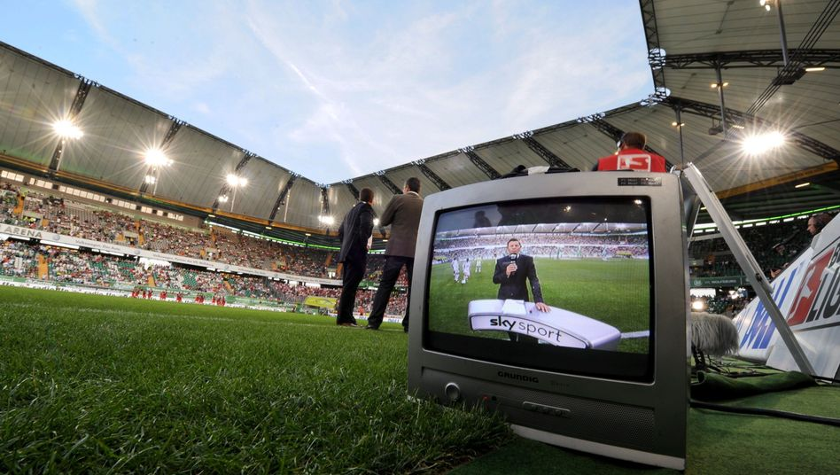 TV-Übertragung im Wolfsburger Stadion: Rechteinhaber Sky unter Druck