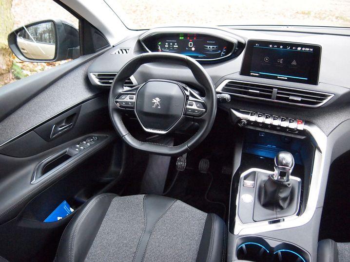 Cockpit im 3008