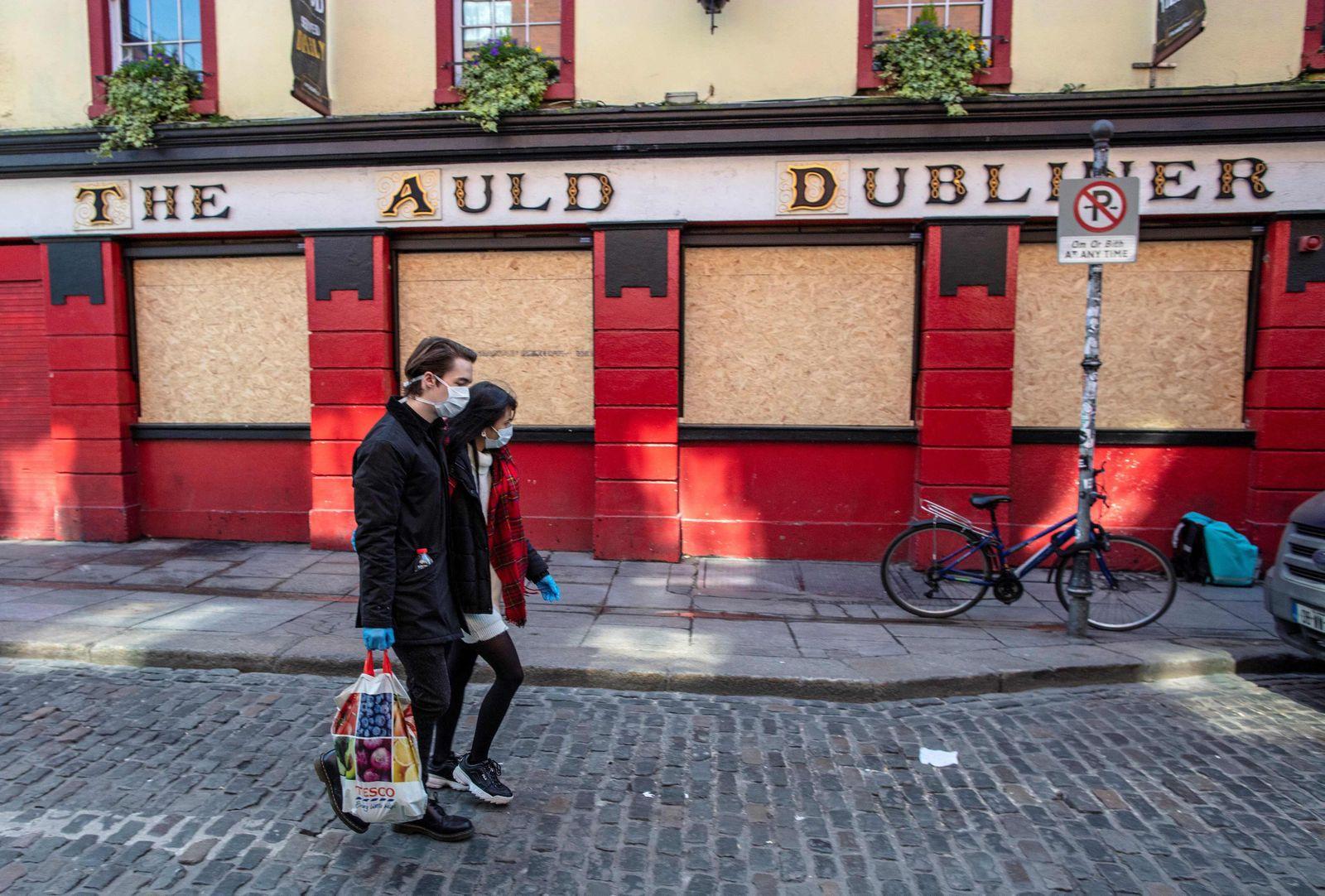 IRELAND-HEALTH-VIRUS-RETAIL