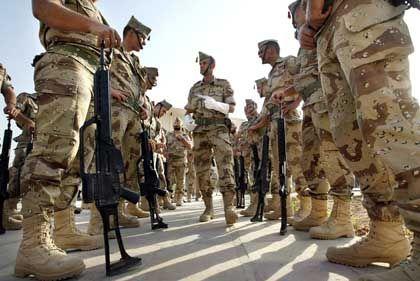 """Spanische Soldaten in ihrem Hauptquartier in Nadschaf: """"Raus hier"""" statt """"weiter so"""""""