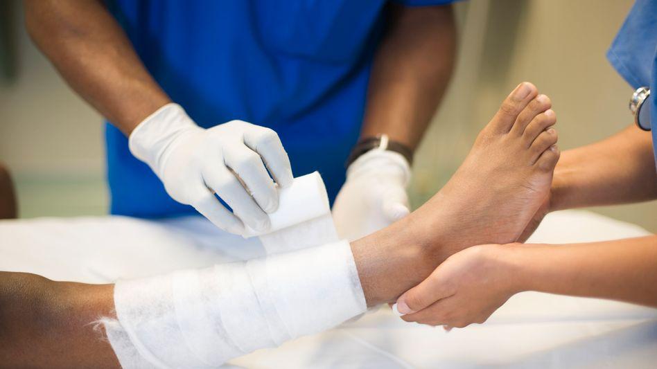 Knöchel verstaucht: Der ärztliche Bereitschaftsdienst soll eine einheitliche Nummer haben
