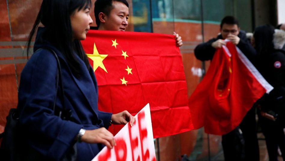 Chinesische Demonstranten in Kanada
