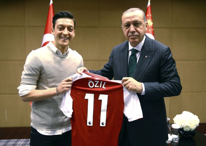 Özil und Erdogan im Mai