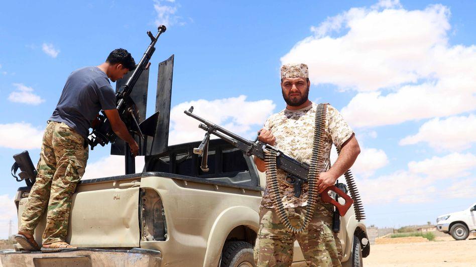 Weiter, immer weiter: Mit der Türkei verbündete Kämpfer auf dem Weg nach Sirte
