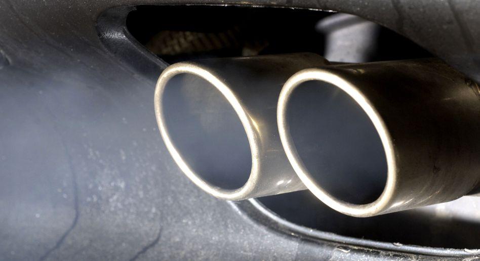 Pkw-Auspuff: Abgasnormen erneut abgeschwächt