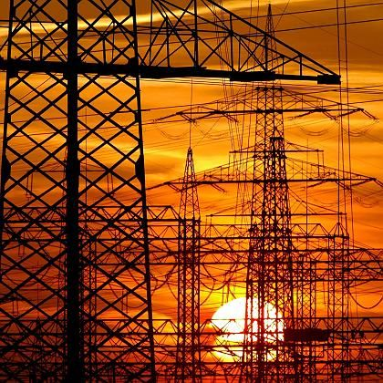 The EU wants large energy companies to separate their production and distribution businesses.