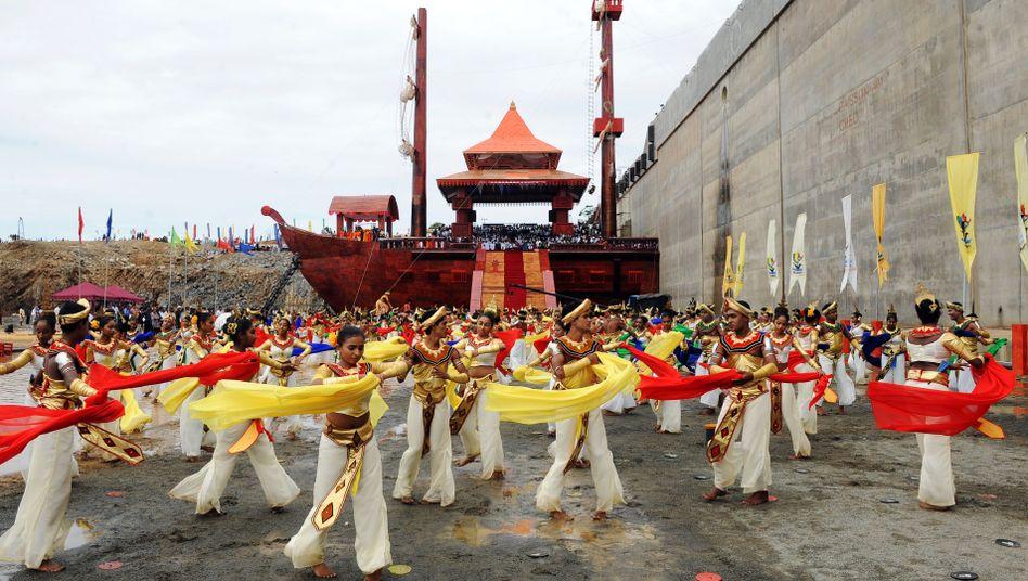 Feierlichkeiten für neuen Hafen in Sri Lanka